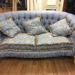 Перетяжка дивана — отличный вид ремонта