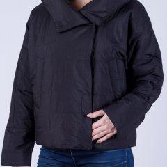 Достоинства женских курток от Аваро