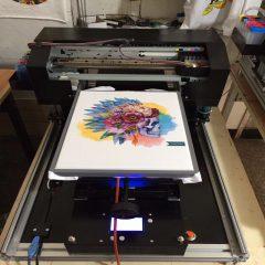 Как осуществляется печать на футболках?