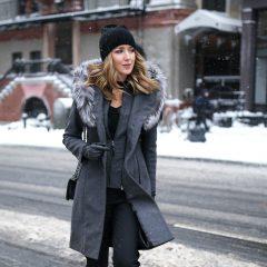 Как сочетать женскую шапку с верхней одеждой?